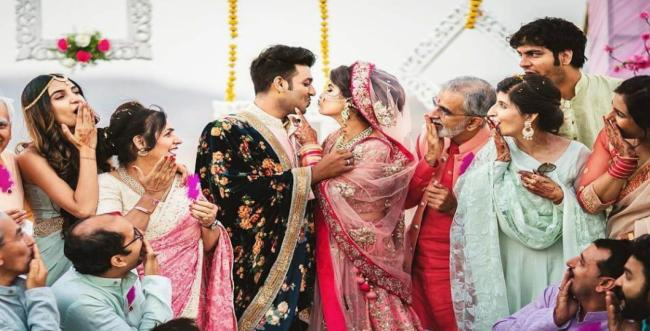 11 Best Wedding Family Photography Ideas for your Wedding
